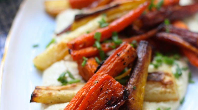 Roasted Carrots with Cashew Cheese Sauce (Vegan-Paleo-Whole30)